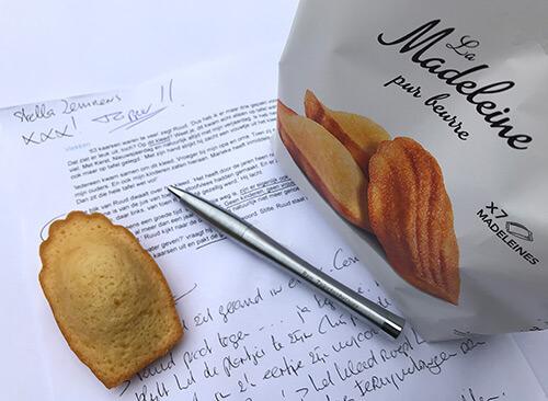 Scene madeleine geeft tekst een creatieve boosten de pen van Ben Tekstschrijver